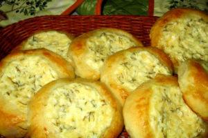 Шаньги с творогом сыром и зеленью