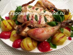 курица запеченная с начинкой из бекона с травами