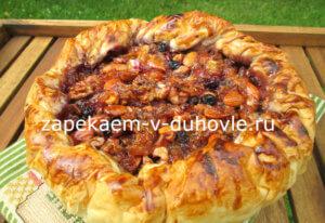 пирог из теста фило с карамельными орехами и цитрусами