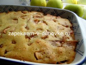 Монастырский манник с яблоками