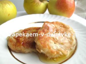 Постные оладьи с яблоками по-монастырски