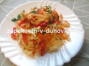 салат из свежих овощей с пикантной заправкой
