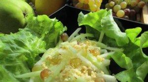 Салат из огурцов груш и винограда