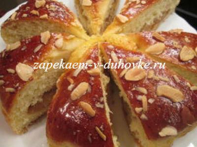 Воздушный яблочный пирог-бриошь в духовке