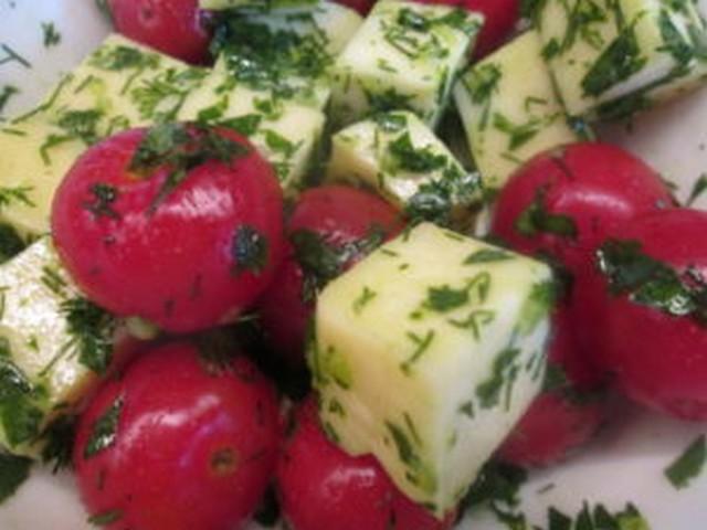 сулугуни с помидорами