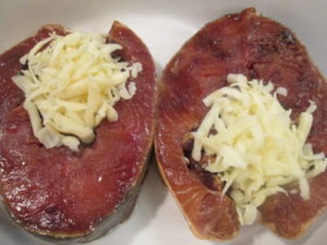 стейки семги запеченные с грибной начинкой