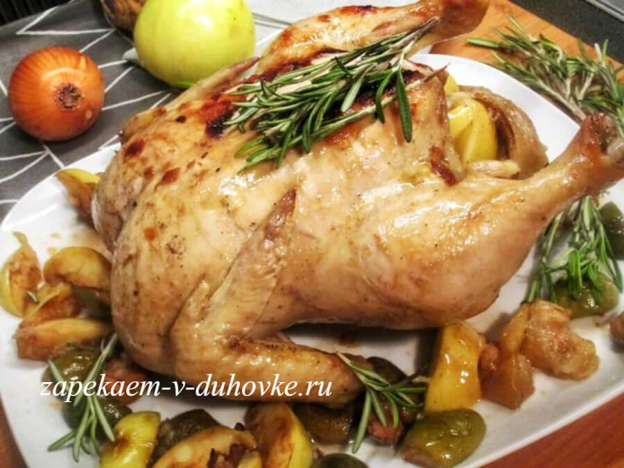 Пряная курица запеченная с яблоками и фейхоа