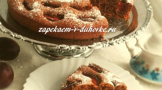 Пирог сливовый из гречневой муки