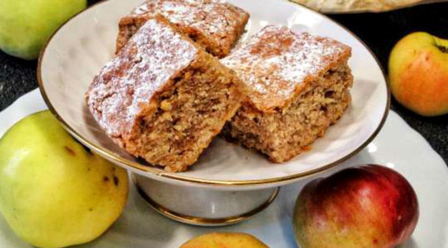 Пирог Яблочные блонди с грецкими орехами