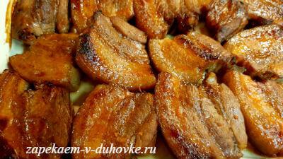 свиные ребрышки под грилем в имбирно-винном маринаде