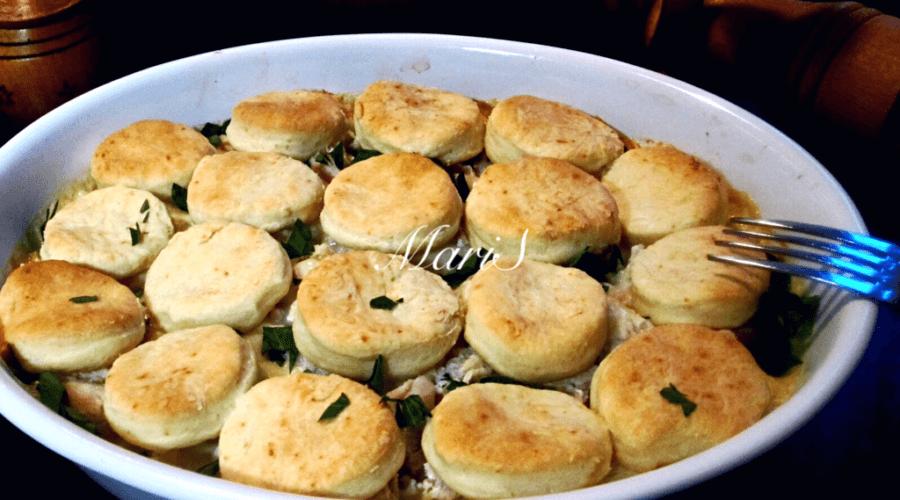 Куриная запеканка-кобблер с овощами и моцареллой в духовке