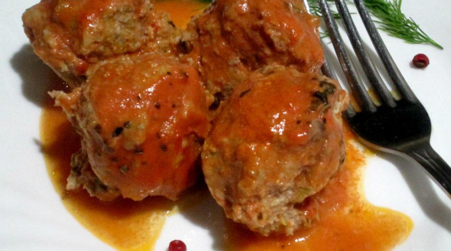 Тефтели запеченные в духовке в томатно-сметанном соусе по-гречески