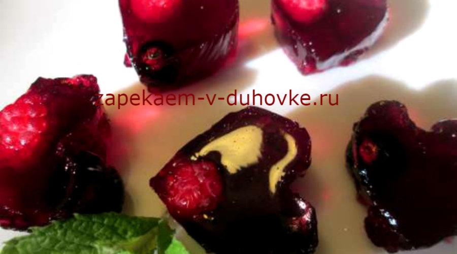"коктейль из фруктового желе ""Космополитен"""