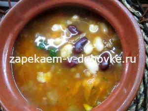 Суп из трех бобовых с пряностями