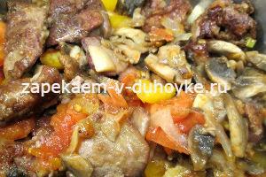 Рецепт куриной печени с овощами и грибамина сковородке