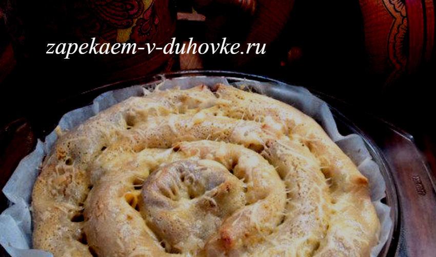блинный пирог-улитка с начинкой из курицы с грибами