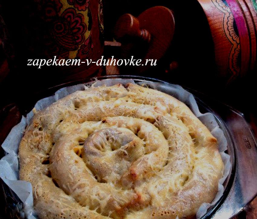 блинный пирог-улитка с курицей и грибами