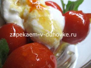 сметанное мороженое с карамельными помидорами