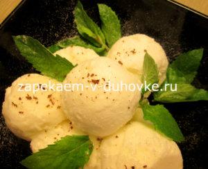 Домашнее лимонное мороженое с дыней