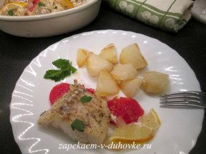 Треска запеченная в духовке с овощами