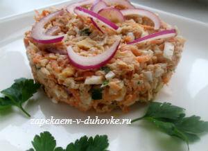 Морковно-яблочный салат с орехами