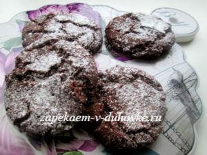 постное шоколадное печенье с вареньем