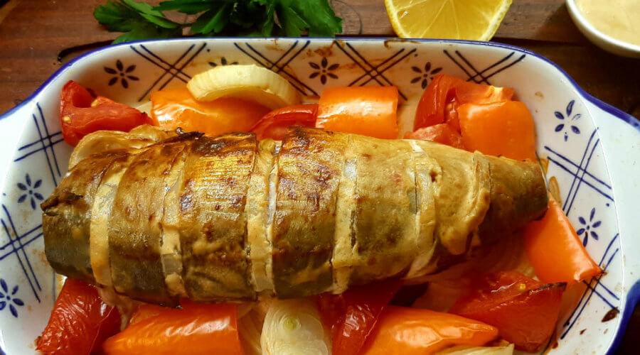 скумбрия запеченная с овощами в горчичном маринаде